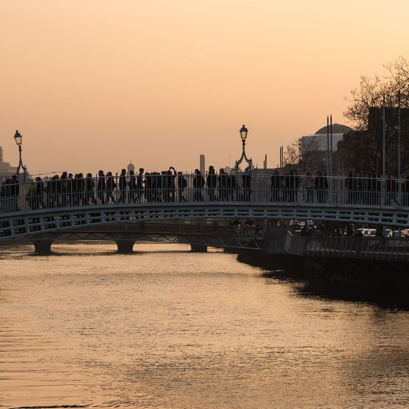 Ha´penny bridge.